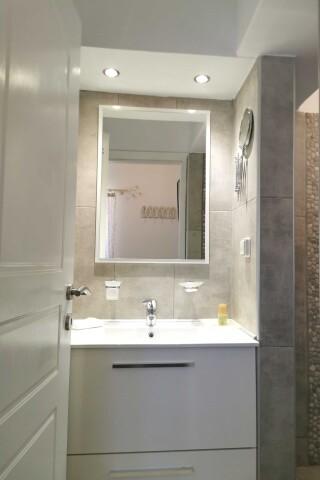 accommodation ambelas mare bathroom
