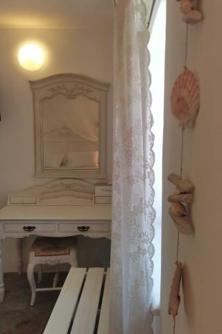accommodation ambelas mare double bedroom-05