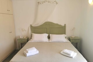 accommodation ambelas mare double bedroom-12