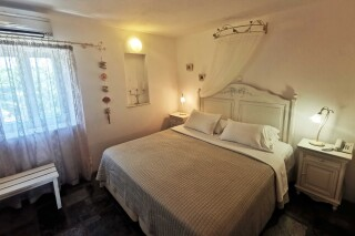 accommodation ambelas mare double bedroom