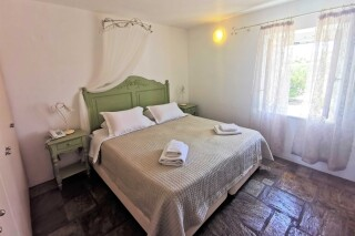 accommodation ambelas mare room
