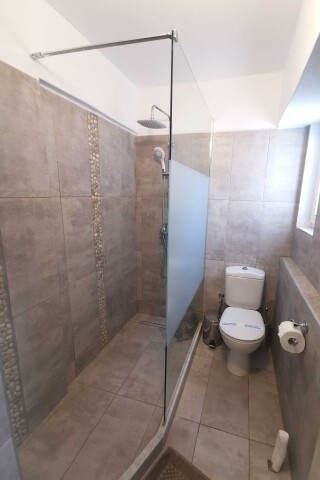 accommodation ambelas mare shower