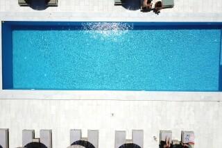 location ambelas mare pool view
